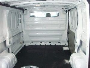 furgon-con-panel-separador-de-carga